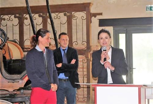 Madame Gwénaëlle Stankowiak – franchisée Mc Donald's à Uzès, pour laquelle être mécène d'un projet patrimonial, c'est aussi exprimer un remerciement à une région et à ceux qui l'animent.