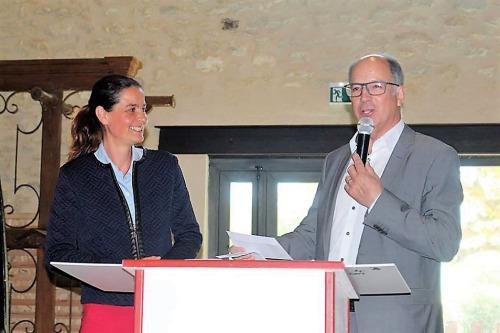 Monsieur Jacques Gleyse, Président du Club des Entrepreneurs Pays Uzège – Pont du Gard, et chef d'entreprise du magasin Mr.Bricolage Uzès, expliquant qu' en tant que chef d'entreprise, il considère de sa responsabilité de soutenir le développement régional.